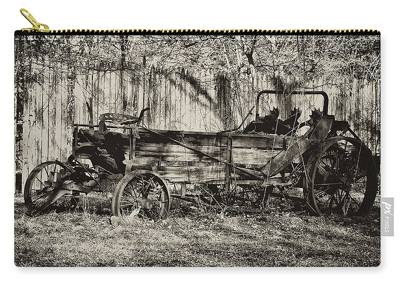 Farm Carry-all Pouch featuring the photograph Rust Bucket by Bill Cannon