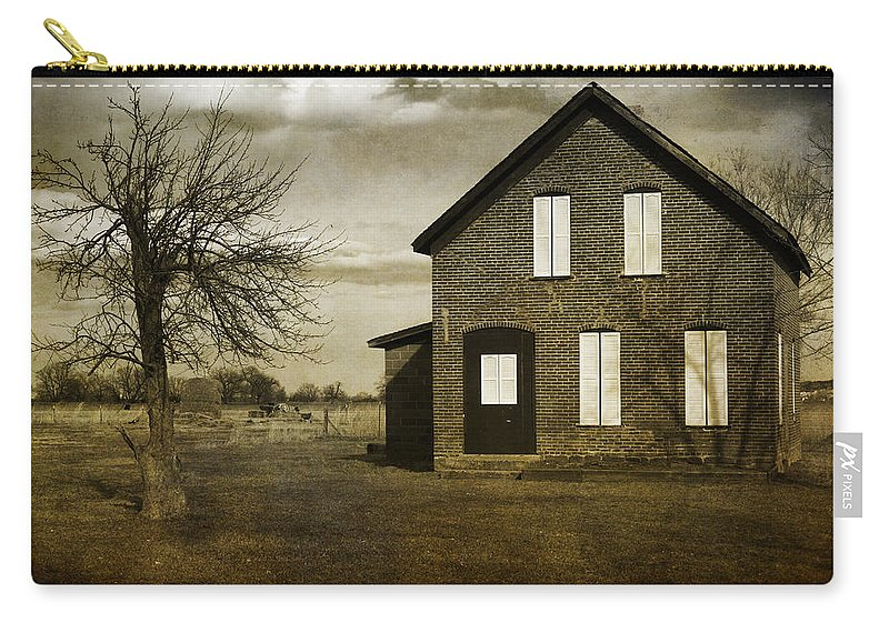 House Carry-all Pouch featuring the photograph Rustic County Farm House by James BO Insogna