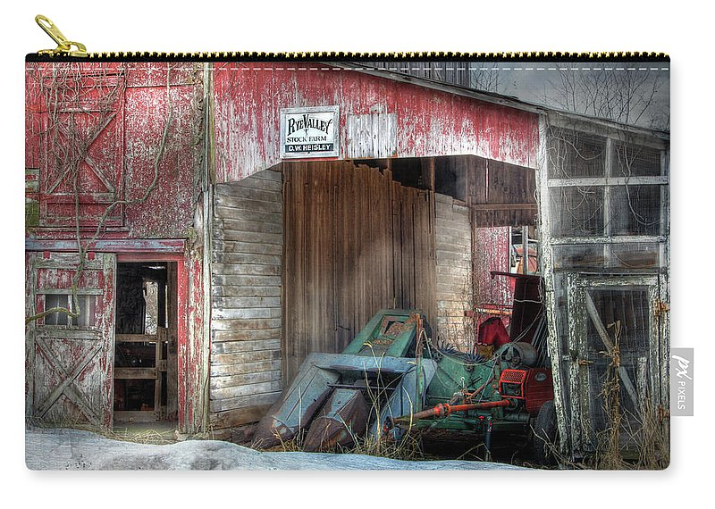 Old Red Barn Carry-all Pouch featuring the photograph Rye Valley Stock Farm by Lori Deiter