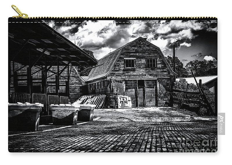 Salisbury Ct Carry-all Pouch featuring the photograph Salisbury Ct by Grant Dupill