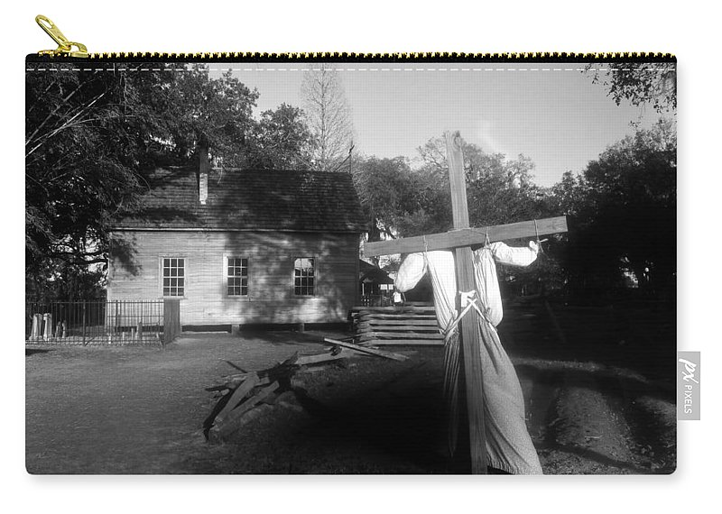 Scarecrow Carry-all Pouch featuring the photograph Scarecrow by David Lee Thompson