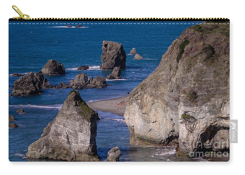 Ocean Carry-all Pouch featuring the photograph Seastacks by Tracy Knauer
