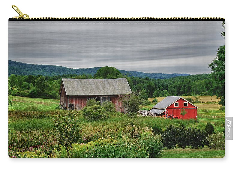 Barn Carry-all Pouch featuring the photograph Shushan Barn 5807 by Guy Whiteley