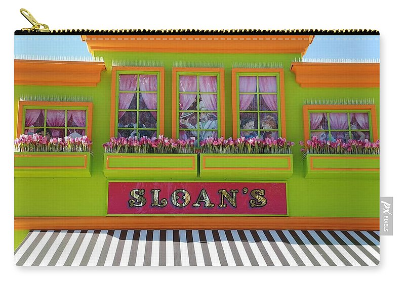 Architecture Carry-all Pouch featuring the photograph Sloans by Rob Hans