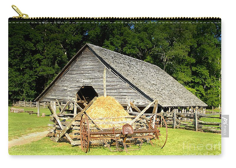 Smoky Mountains Carry-all Pouch featuring the photograph Smoky Mountain Farm by David Lee Thompson