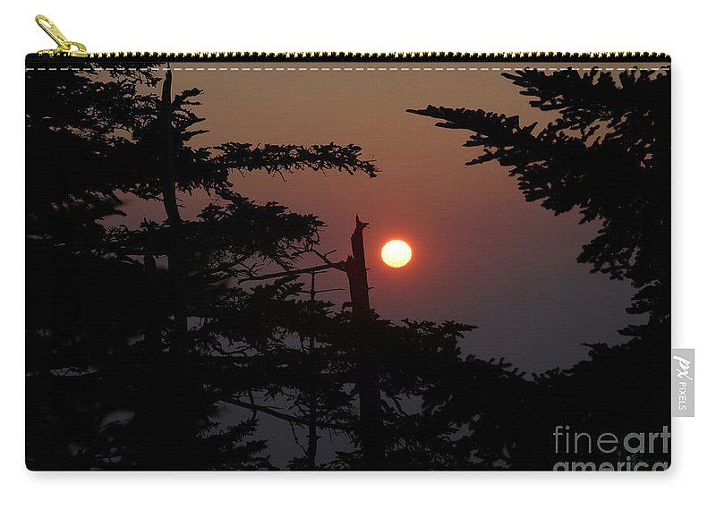 Smoky Mountain National Park Carry-all Pouch featuring the photograph Smoky Mountain Sunset by David Lee Thompson