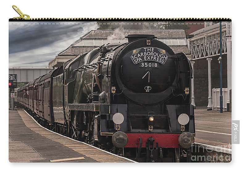 Steam Carry-all Pouch featuring the photograph Sr Merchant Class by David Hollingworth