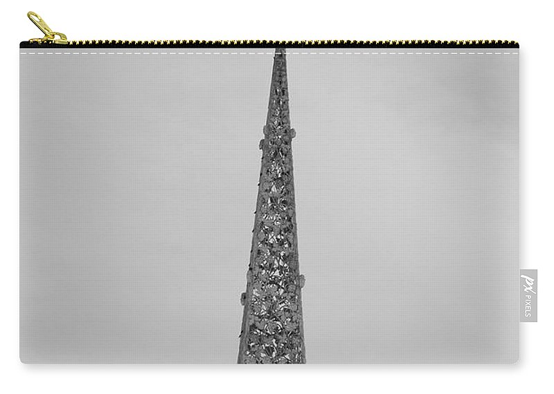 Black And White Carry-all Pouch featuring the photograph Steeple Cross In Black And White by Rob Hans
