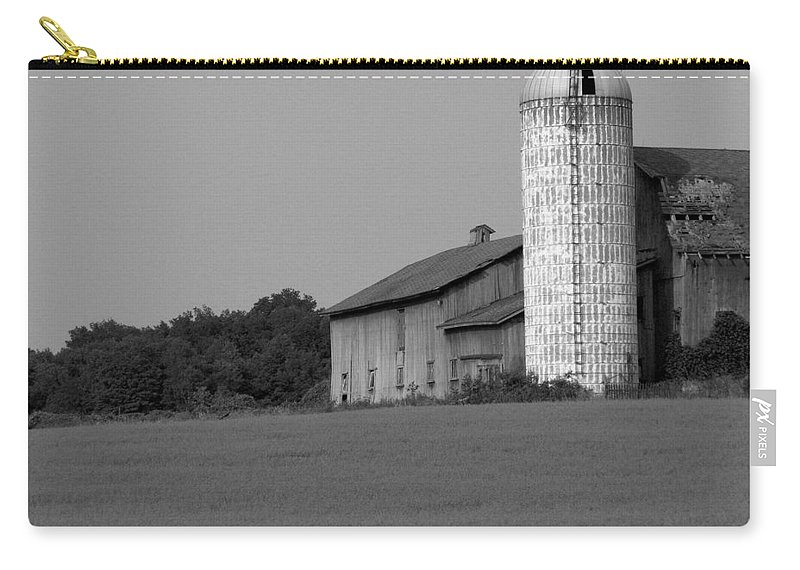 Barn Carry-all Pouch featuring the photograph Still Here by Rhonda Barrett