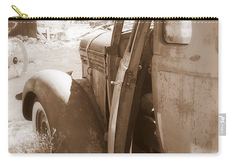 Disrepair Carry-all Pouch featuring the photograph Still Waiting On Repairs by Carol Groenen