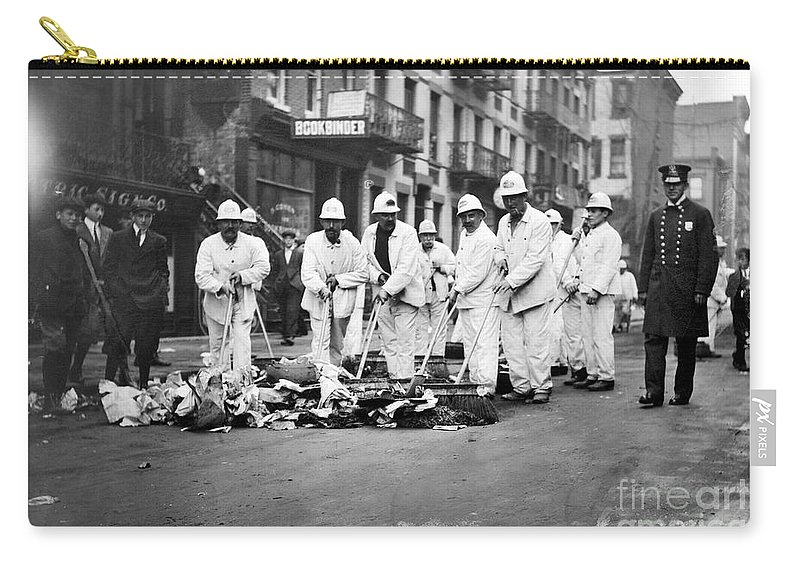1911 Carry-all Pouch featuring the photograph Street Sweepers, 1911 by Granger