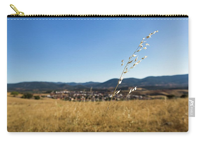 Los Navalucillos Carry-all Pouch featuring the photograph Summer Breeze by Sam Garcia
