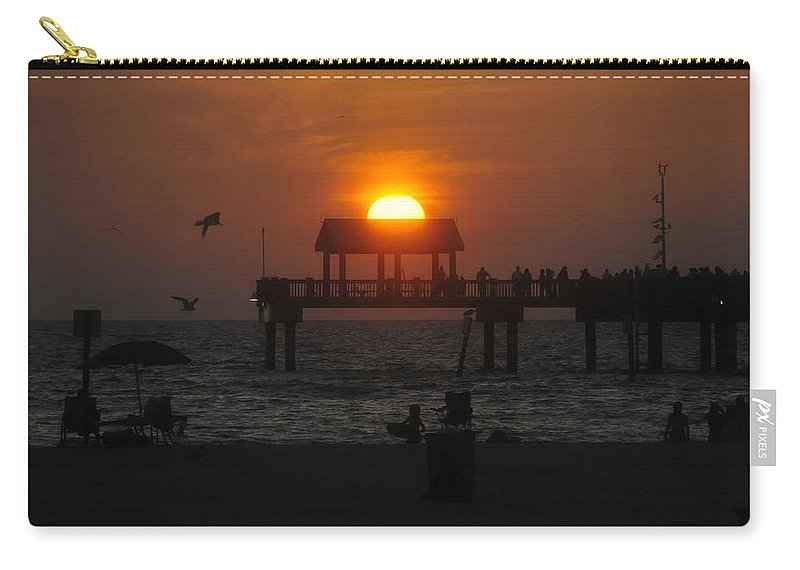 Sunset Carry-all Pouch featuring the photograph Sundown by David Lee Thompson