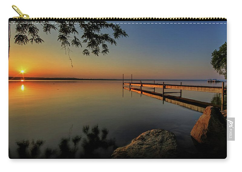 Cayuga Carry-all Pouch featuring the photograph Sunrise Over Cayuga Lake by Everet Regal