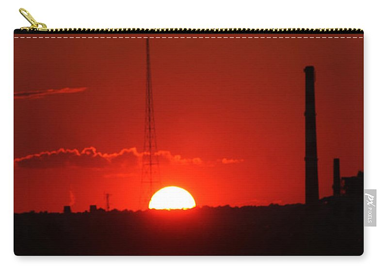 Sun Carry-all Pouch featuring the photograph Sunset Over Bridgeport by William Selander
