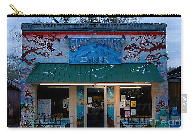 Suwanee River Carry-all Pouch featuring the photograph Suwannee River Diner by David Lee Thompson