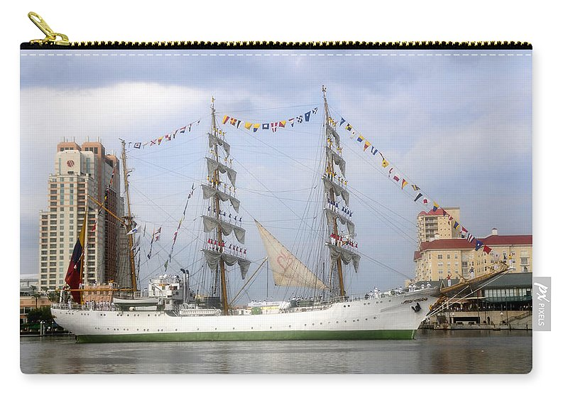 Tampa Bay Florida Carry-all Pouch featuring the photograph Tall Ship In Tampa Bay by David Lee Thompson
