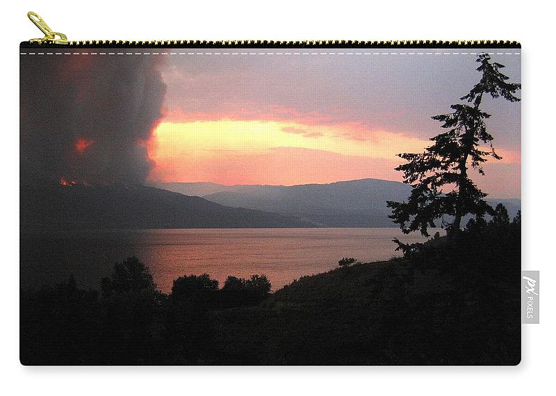 Forest Fire Carry-all Pouch featuring the photograph Terrace Mountain Fire 4 by Will Borden