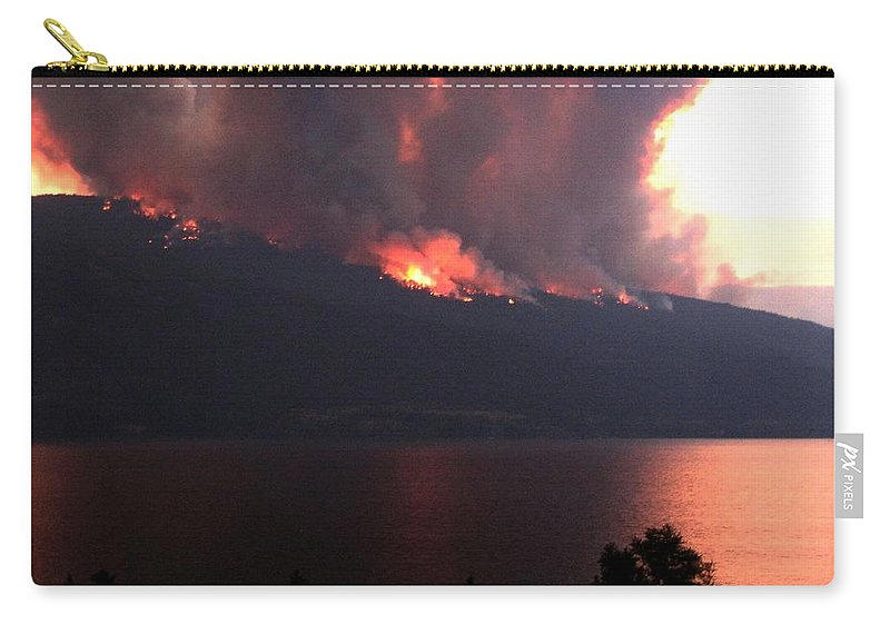 Forest Fire Carry-all Pouch featuring the photograph Terrace Mountain Fire 5 by Will Borden
