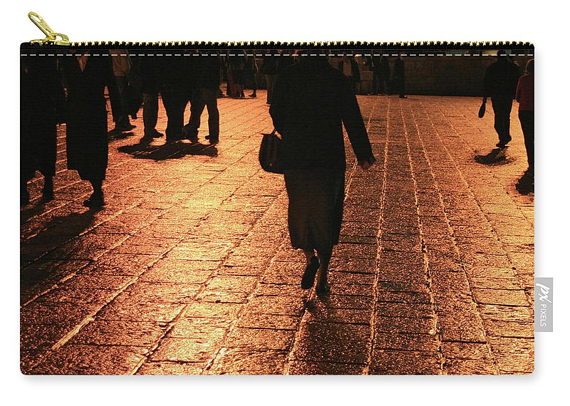 Jerusalem Carry-all Pouch featuring the photograph The Entrance To The Western Wall At Night by Idan Badishi