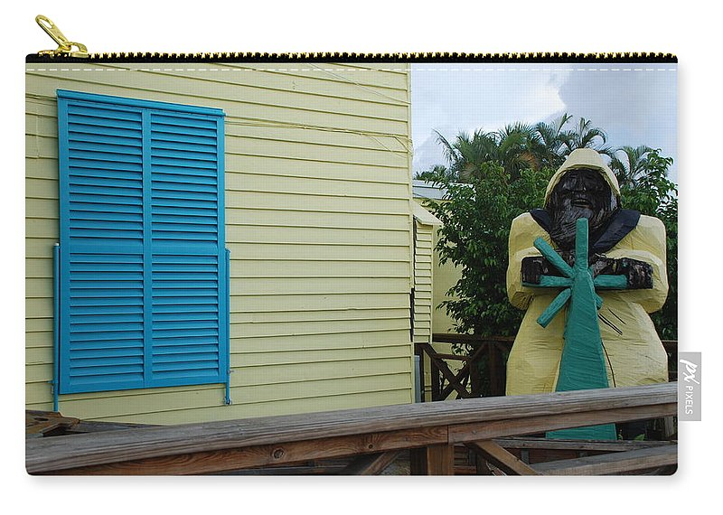 Architecture Carry-all Pouch featuring the photograph The Gordons Fisherman by Rob Hans
