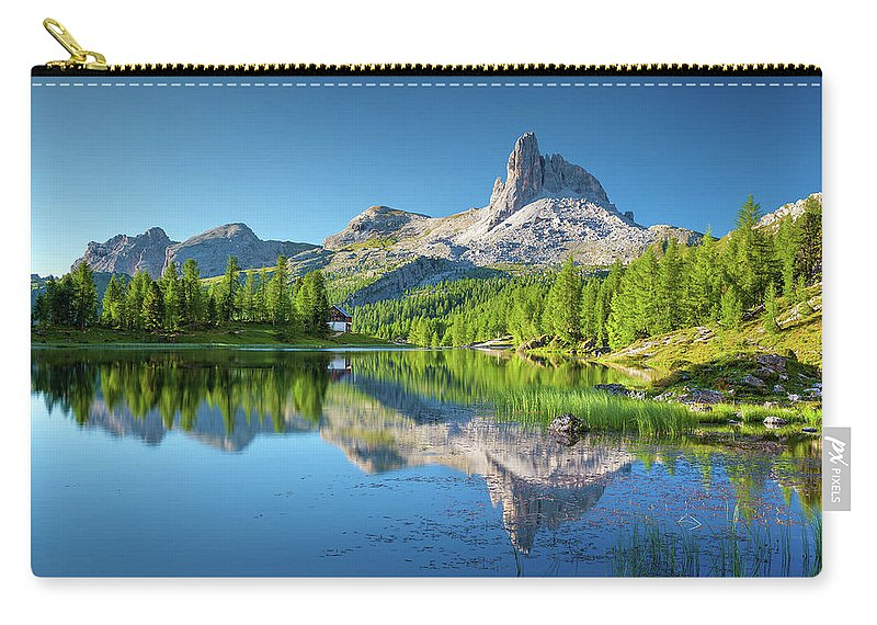 Great Carry-all Pouch featuring the photograph The Great Northwest by David Dehner