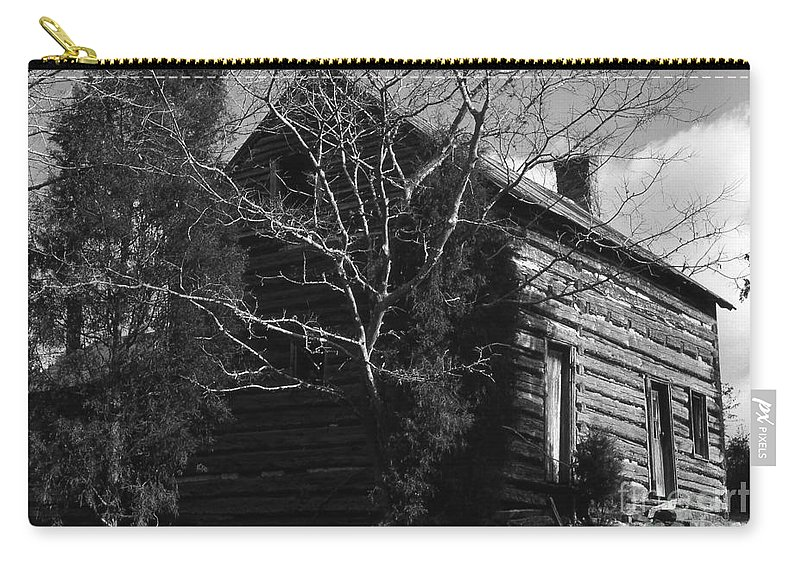 Cabins Carry-all Pouch featuring the photograph The Homestead by Richard Rizzo