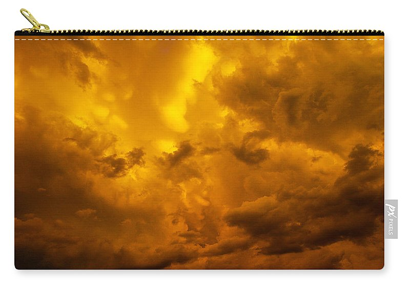 Nebraskasc Carry-all Pouch featuring the photograph The Last Glow Of The Day 008 by NebraskaSC