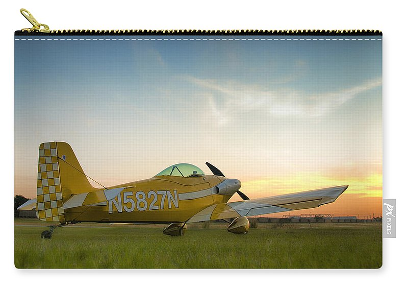 Rv-1 Carry-all Pouch featuring the photograph The Original by Steven Richardson