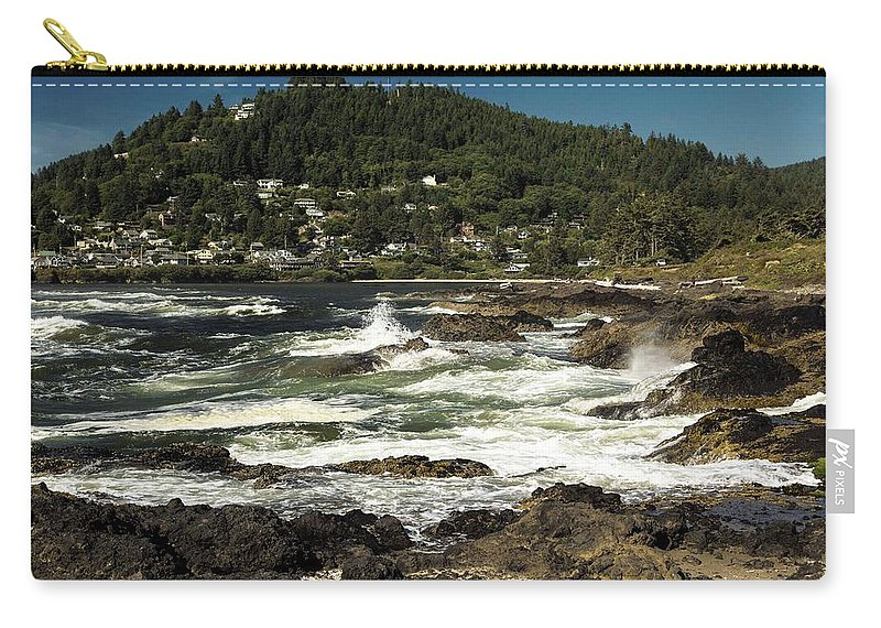 Oregon Coastline Carry-all Pouch featuring the photograph The Rugged Beauty Of The Oregon Coast - 1 by Hany J