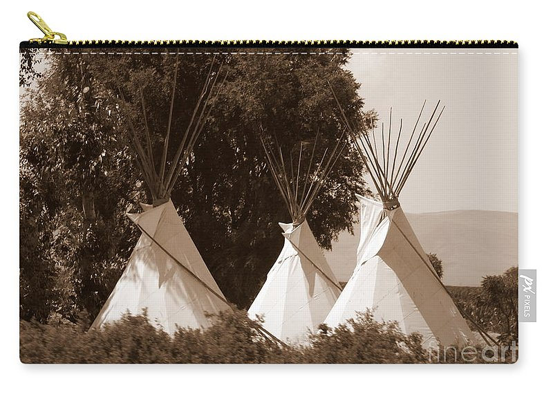 Tipis Carry-all Pouch featuring the photograph Tipis In Toppenish by Carol Groenen