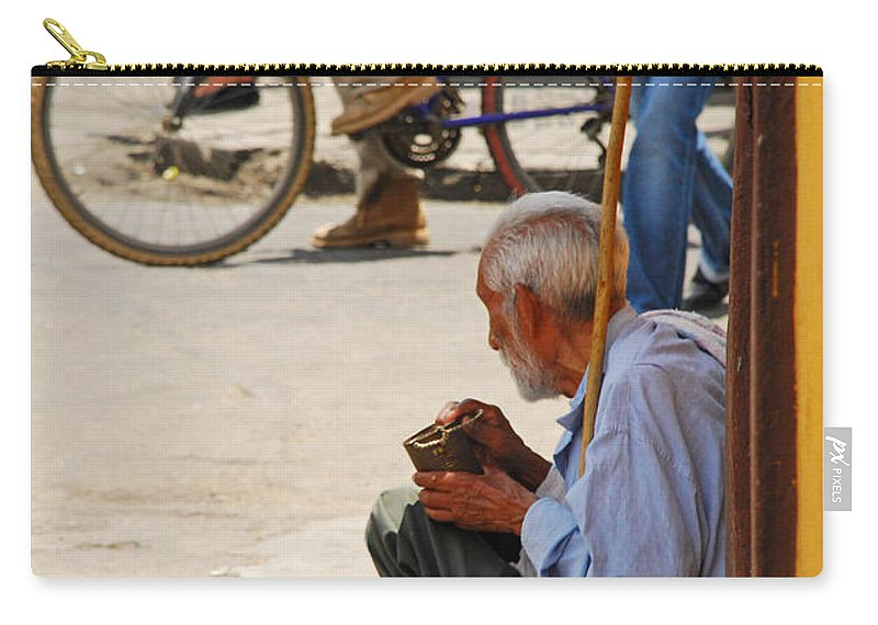 Beggar Carry-all Pouch featuring the photograph Un Peso Por Favor by Skip Hunt