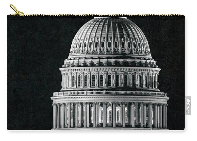 Washington Dc Carry-all Pouch featuring the photograph Us Capitol by Doug Sturgess