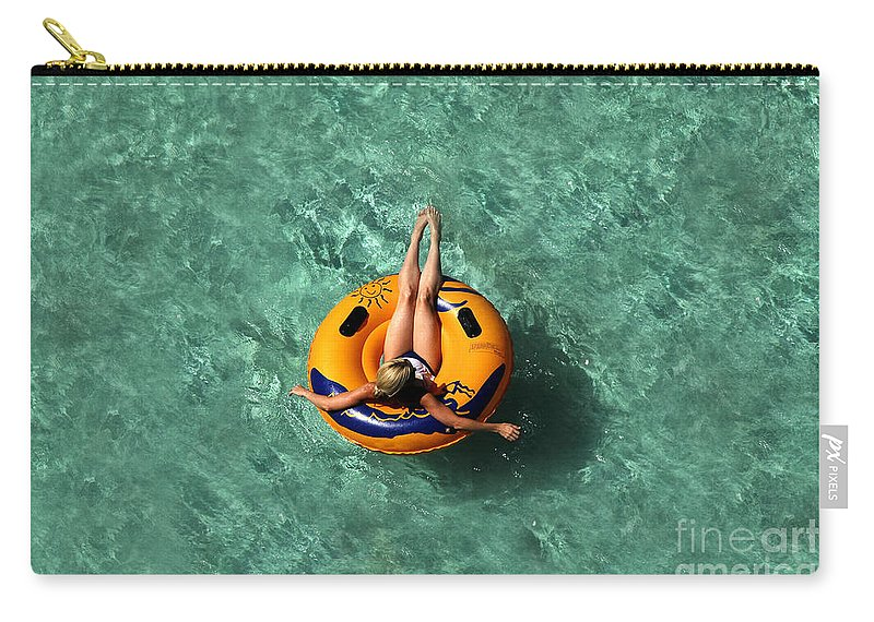 Vacation Carry-all Pouch featuring the photograph Vacation by David Lee Thompson