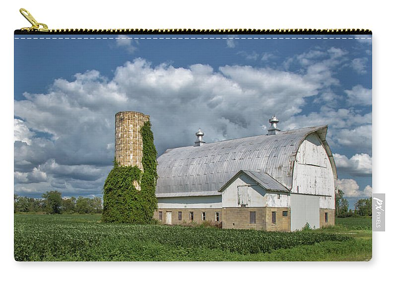 Barn Carry-all Pouch featuring the photograph Vintage Barn by Jurgen Lorenzen