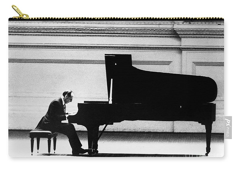 1966 Carry-all Pouch featuring the photograph Vladimir Horowitz by Granger