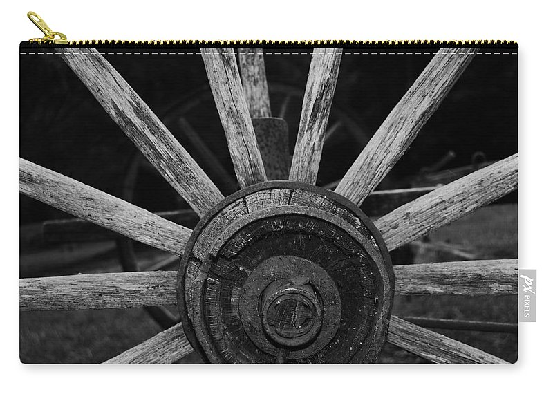 Virginia Carry-all Pouch featuring the photograph Wagon Wheel by Eric Liller