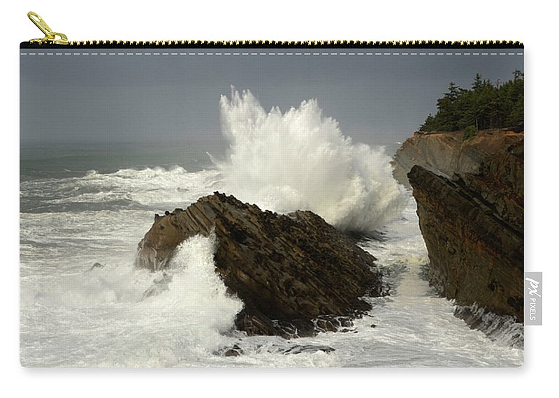 Lighthouse Carry-all Pouch featuring the photograph Wave At Shore Acres 2 by Bob Christopher