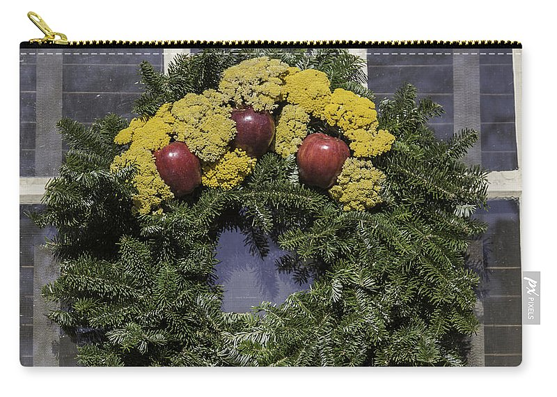 2014 Carry-all Pouch featuring the photograph Williamsburg Wreath 25 by Teresa Mucha
