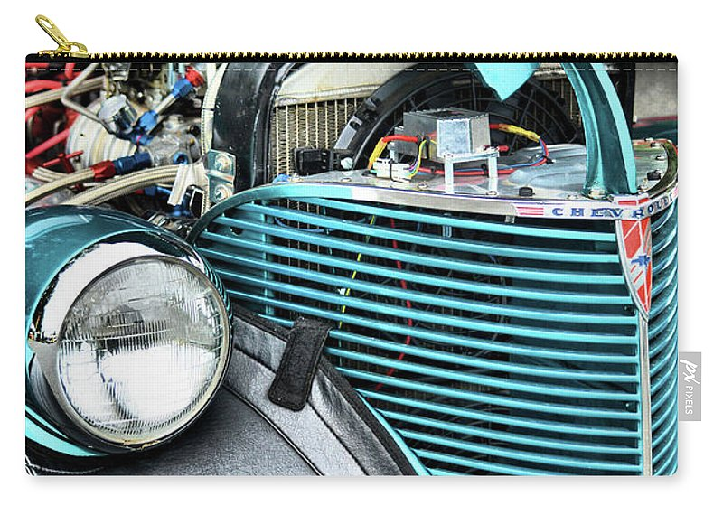 Cars Carry-all Pouch featuring the photograph Winkin Atchya by Robert McCubbin