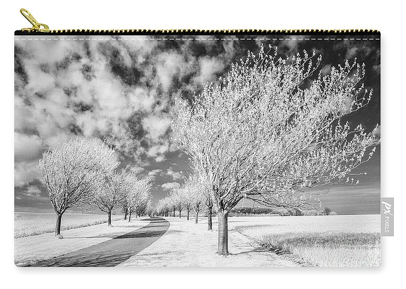 Yorkshire Wolds Carry-all Pouch featuring the photograph Wolds Way Near Huggate by Janet Burdon