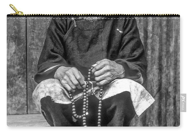 Tibetan Carry-all Pouch featuring the photograph Working Hands Bw by Steve Harrington