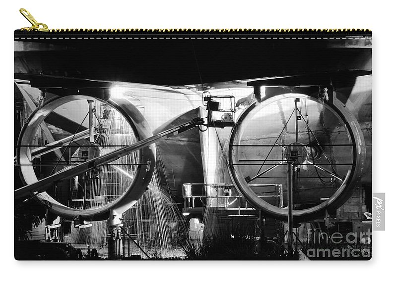 Work Carry-all Pouch featuring the photograph Working Men by David Lee Thompson