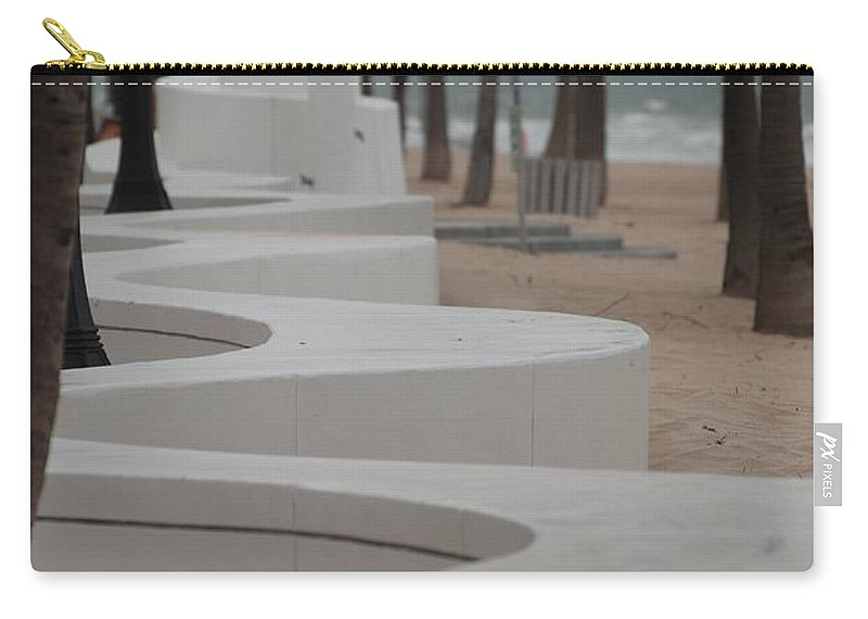 Pop Art Carry-all Pouch featuring the photograph Zig Zag At The Beach by Rob Hans