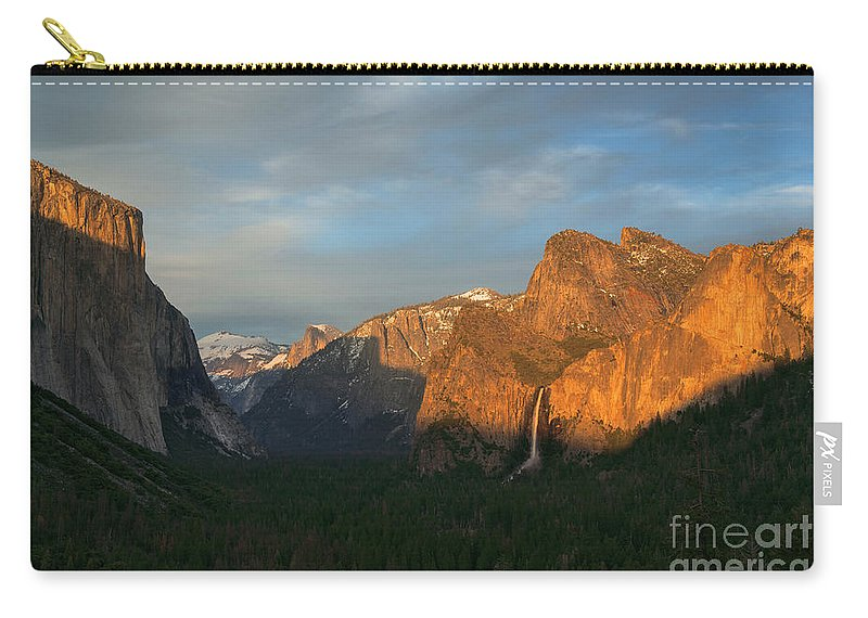 View Of Yosemite Valley From Tunnel View Point At Sunset Carry-all Pouch featuring the photograph View Of Yosemite Valley From Tunnel View Point At Sunset by Yefim Bam