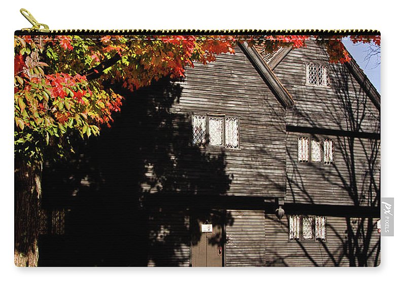 Salem Carry-all Pouch featuring the photograph Autumn In Salem by Jeff Folger