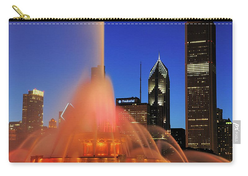 Tranquility Carry-all Pouch featuring the photograph Buckingham Fountain, Chicago by Bruce Leighty