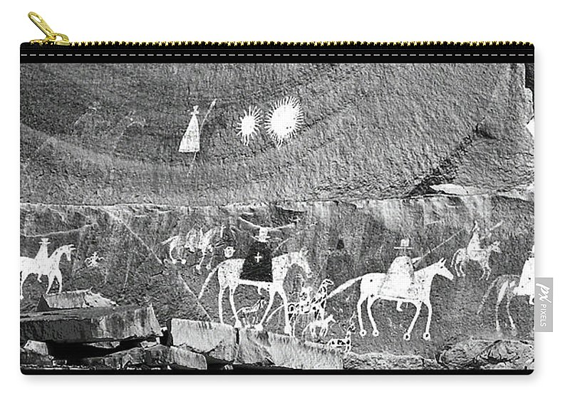Southwest Usa Carry-all Pouch featuring the photograph Canyon De Chelley Pictographs by Alan Toepfer