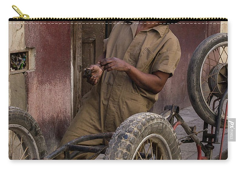 Cuba Carry-all Pouch featuring the photograph Cart In Alley by Jennifer Thomas