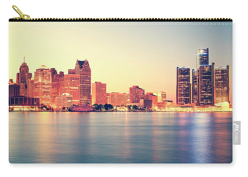 Downtown District Carry-all Pouch featuring the photograph Detroit At Sunset by Espiegle
